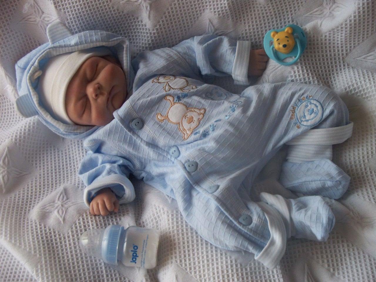 Primeros días en casa del bebé prematuro - Bebé feliz